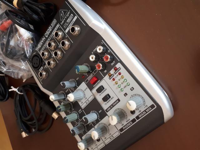 Mesa de som Xenyx Q502usb Behringer - Foto 3