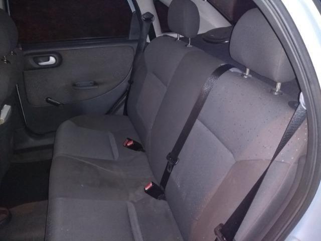 Corsa Sedan 1,4 Premium - Foto 10