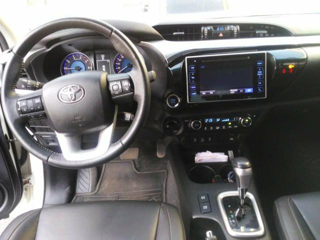 Toyota Hilux 17/17 SRX 2.8 4x4 - Foto 10