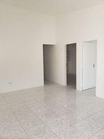 Alugo casas em Cajueiro Seco com garagem, 03 quartos próximo ao supermercado leve mais - Foto 2