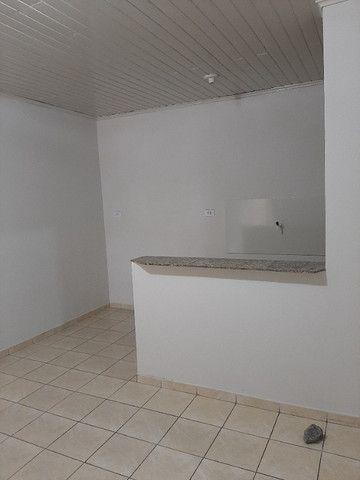 Aluga-Se Apartamentos, Casa e Quitinetes Em Cima Do Supermercado Molina / Jardim Cruzeiro - Foto 20