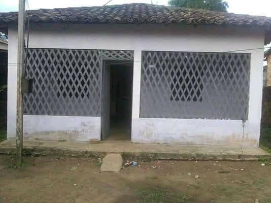 Vendo essa casa localizada na avenida perimental sul bairro Santo do mon Benevides