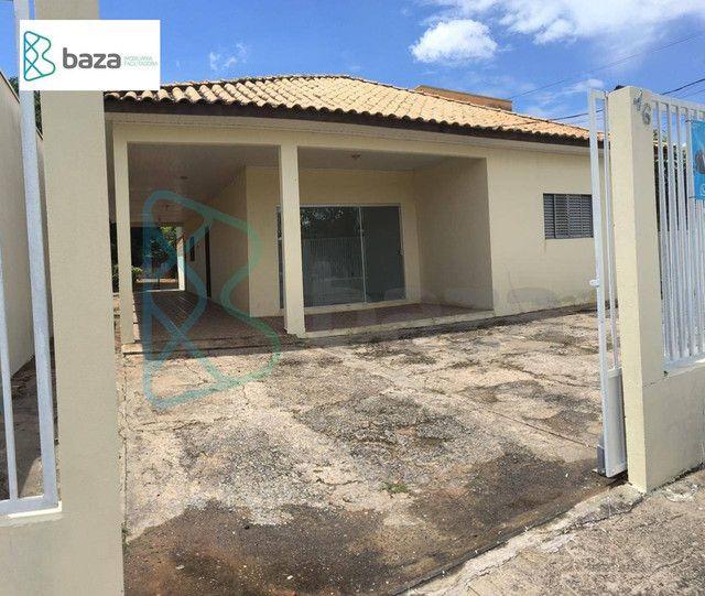 2 Casas no mesmo terreno com 3 e 2 dormitórios respectivamente à venda, 210 m e 86m² por R