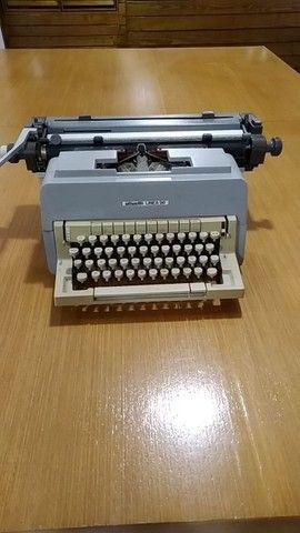 Máquina datilografar Olivetti Linea 98