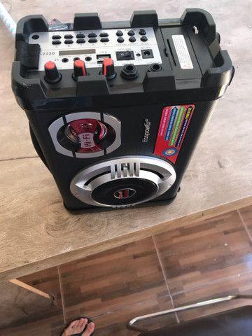 Caixa de som ecopower com microfone e carregador
