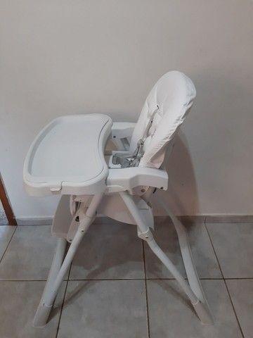 Cadeira alimentação SEMI NOVA... COM ESTOFADO NOVO  - Foto 4