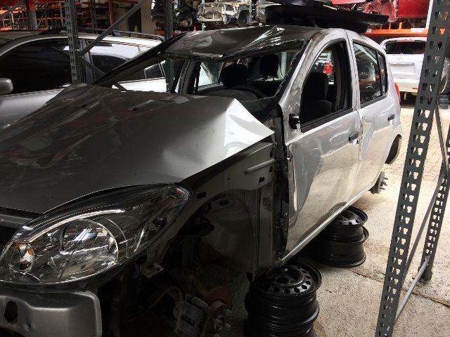 Peças usadas Renault Sandero 2012 2013 1.0 16v flex 77cv câmbio manual - Foto 2