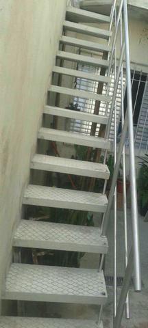AFHS -Escadas Pré moldadas de Concreto  /Grades/Corrimão - Foto 5