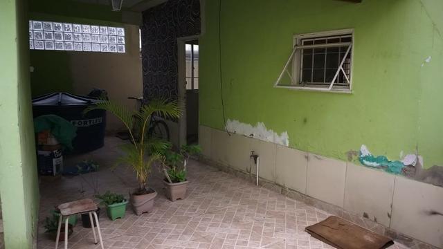 Casa tipo apto térreo 2 qts grandes, e pequeno quintal - desocupado - Nilópolis