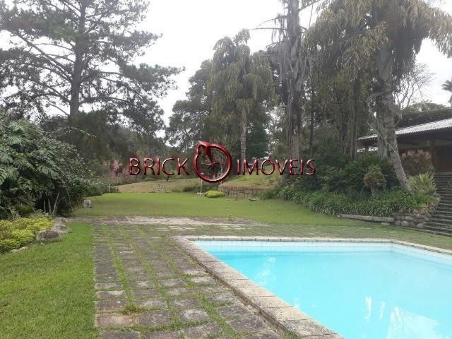 Excelente sítio com área de 10 mil m² com casa principal, casa de caseiro e área de lazer. - Foto 4