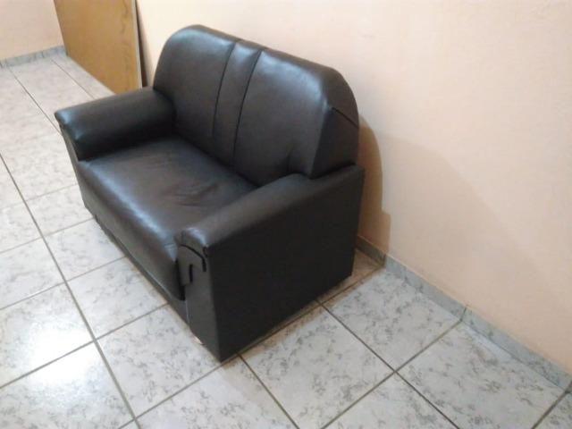 Sofá de couro sintético - Foto 2