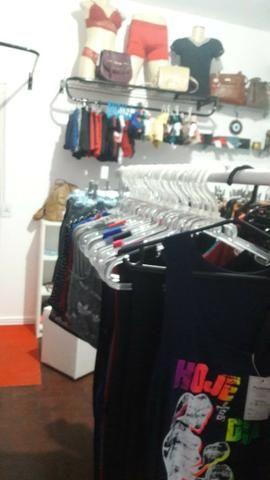 Vendo várias peças de roupas 280 e 50 assessorios - Foto 3