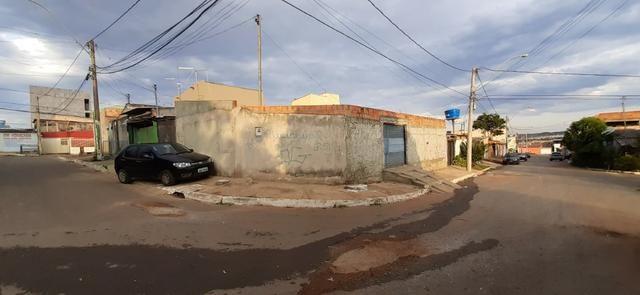 Casa de Esquina Qd. 306, Residencial Oeste, - Aceito Lote e Carro na Cidade - Foto 2