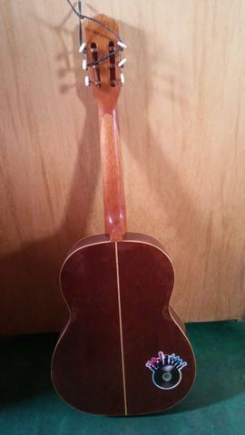 Vende se este violão