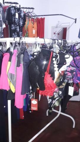Vendo várias peças de roupas 280 e 50 assessorios - Foto 5