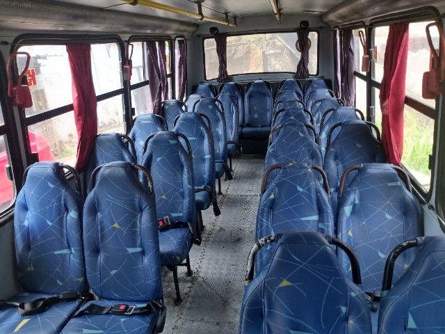 Vendo ou troco por van micro onibus - Foto 2