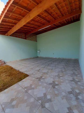 Casa individual 2 dorm 4 vagas fundo coberto p/ churrasqueira - AC carro e financ - Foto 14