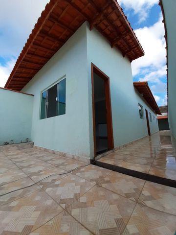 Casa individual 2 dorm 4 vagas fundo coberto p/ churrasqueira - AC carro e financ - Foto 9