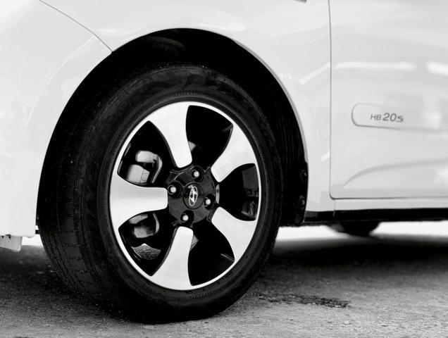 Hyundai HB20s 1.6 impress SEDAN - comfort plus 16v flex 4p automático - 2015 - Foto 4