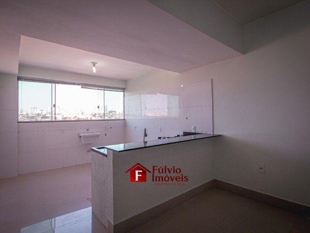 Apartamento com 3 Quartos, 1 Vaga de Garagem Coberta, Elevador em Vicente Pires. - Foto 2
