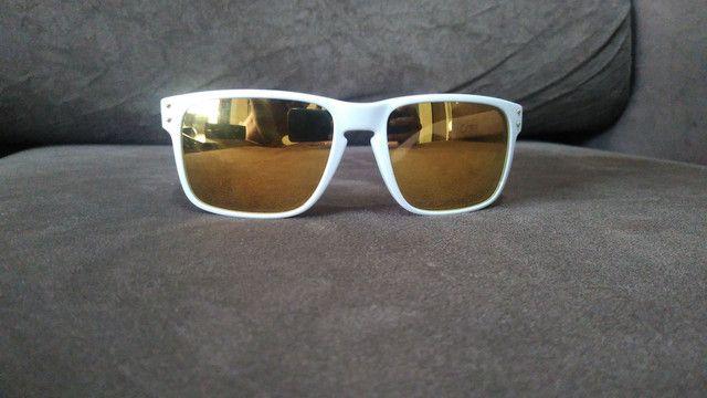 Óculos Oakley modelo Holbrook