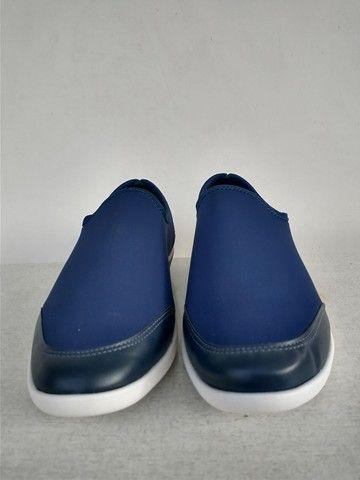 2 sapatos femininos - sapato e bota - Foto 3