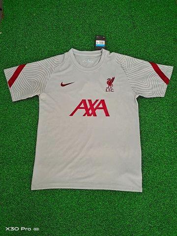 Camisa Nike Liverpool Training 20/21 Cinza Claro