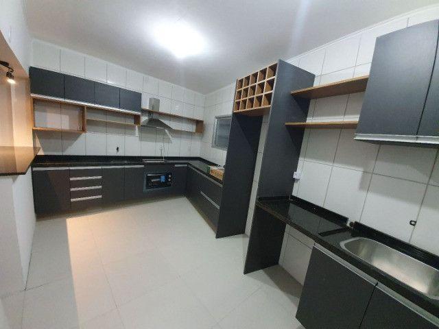 Casa com 2 apartamentos de 90m2 cada mobiliado + espaço comercial.  - Foto 20