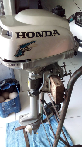 Motor de popa  honda  3.3  hp