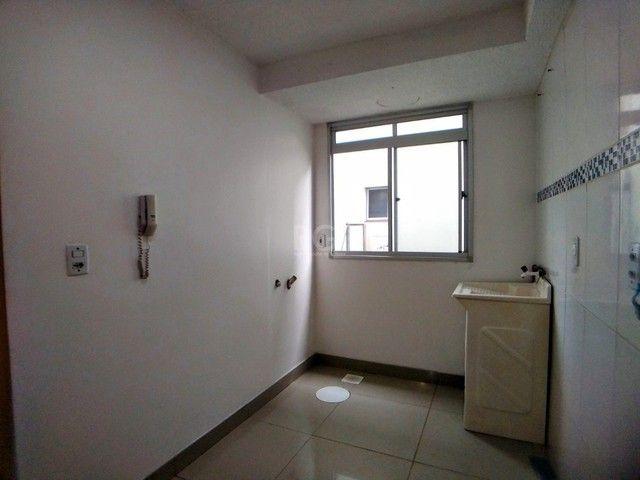 Apartamento térreo  com pátio 2 dormitórios no condomínio Reserva da Figueira no bairro Lo - Foto 7