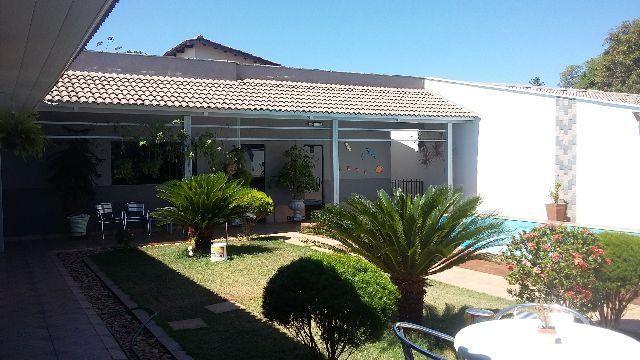 Casa com Segurança e Conforto e energia solar de 820 Kw