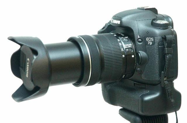 Canon 7D com lente 18-135mm