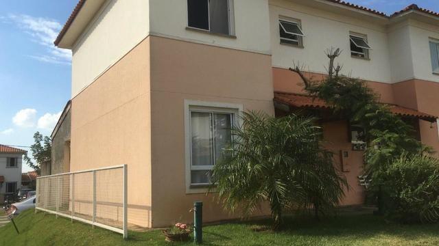 Sobrado com 3 dormitórios Cond.Villa Flora