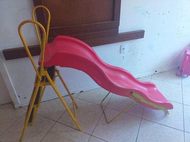 Escorregador infantil só tem um quebradinho,ferro foi feito por artesão - Foto 2