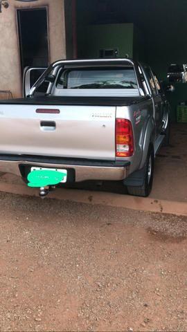 Vendo uma hilux 2010/10 diesel manual - Foto 3