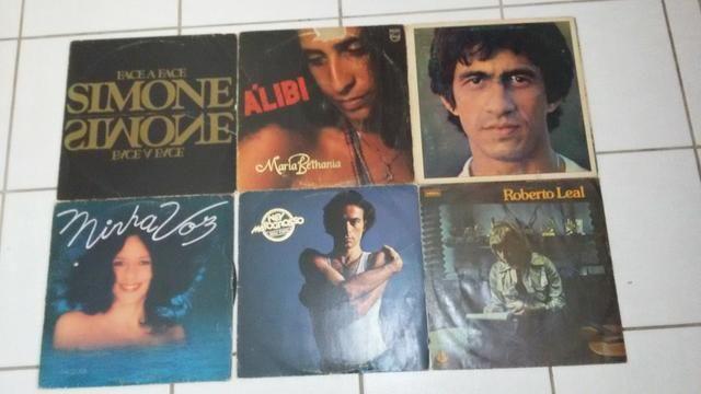 Discos de vinil, cd's, livros ( limpa de estoque/ 10,00 á unidade )
