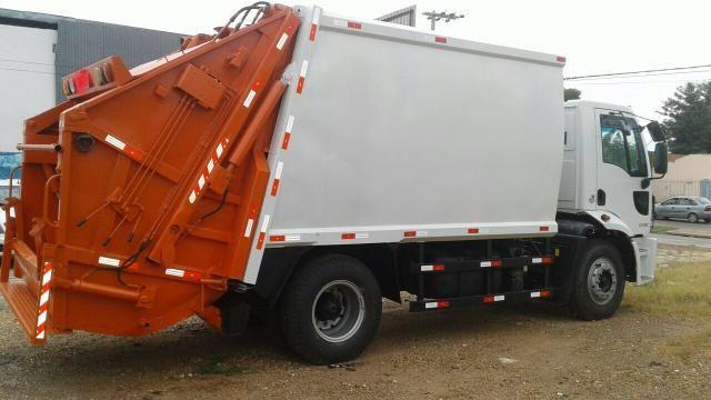Aluguel caminhão compactador prensa coletor de lixo - Foto 14
