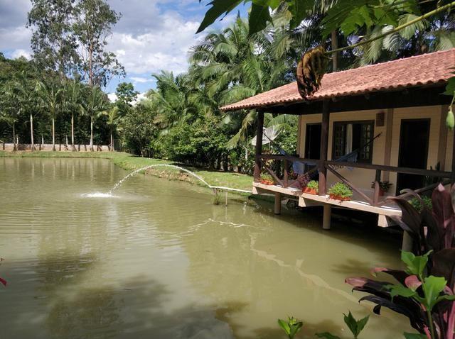 Lindo sitio urbano a menos de 4 km do centro da cidade 3 casas piscina lagoa