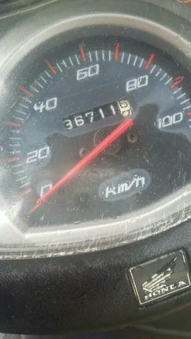 Vendo uma Honda lead 2012 5000