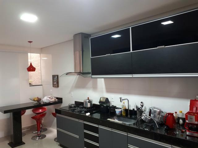 Casa moderna Vicente Pires platibanda lazer completo armários pé direito duplo IPTU