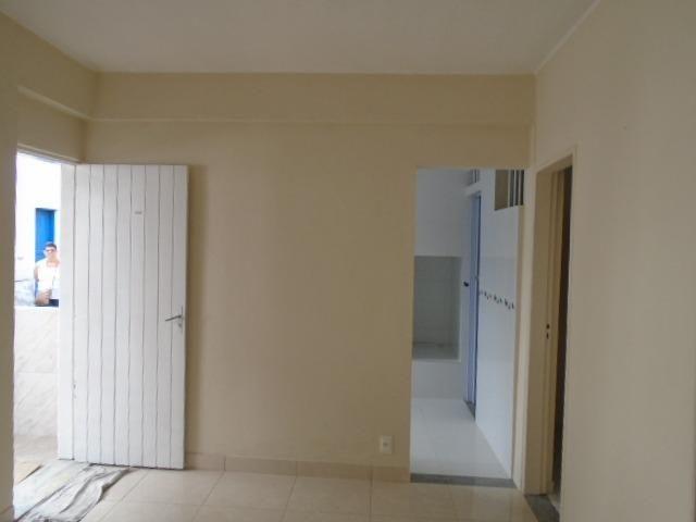 Ótimo apartamento de 02 quartos Tindiba 1048 tendo 01 mes de carência - Foto 3