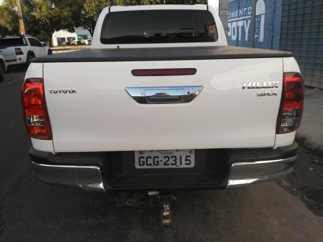 Toyota Hilux 17/17 SRX 2.8 4x4 - Foto 6