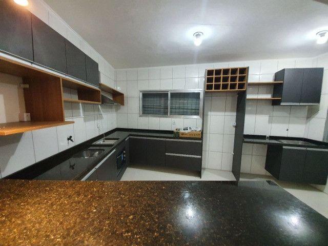 Casa com 2 apartamentos de 90m2 cada mobiliado + espaço comercial.  - Foto 11