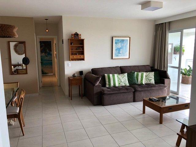 Aluguel Apartamento 180m², Nascente, 3 Suítes, Decorado e Mobiliado, em Patamares, Salvado