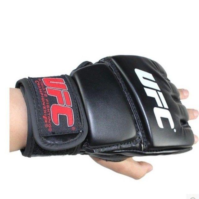 Par de luva couro preto mma UFC vale tudo Boxe Muay Thai Artes Marciais -Nova lacrada - Foto 4
