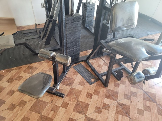 Estação de musculação multifuncional é uma academia completa  - Foto 6