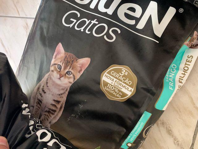 Ração Golden 10,1kg Gatos - Filhotes, Castrados, Adultos - Frango Carne Salmao - Foto 3