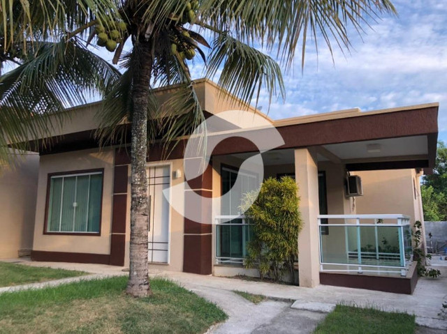 Casa com 3 quartos dentro de condomínio , 100 m², à venda por R$ 450.000