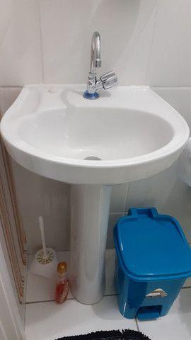 Coluna mais o lavatório pra banheiro