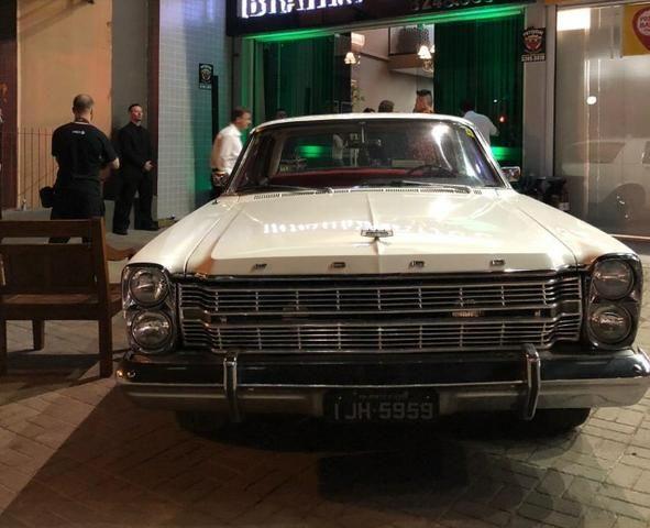Ford Galaxie 500 V8. placa Preta. não é Landau nem Ltd